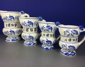 Blue Onion Measuring Cups