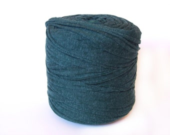 Pine green T-shirt yarn, recycled t shirt yarn, tshirt yarn, recycled cotton yarn, jersey yarn, tricot yarn, yarn carpet, bulk yarn
