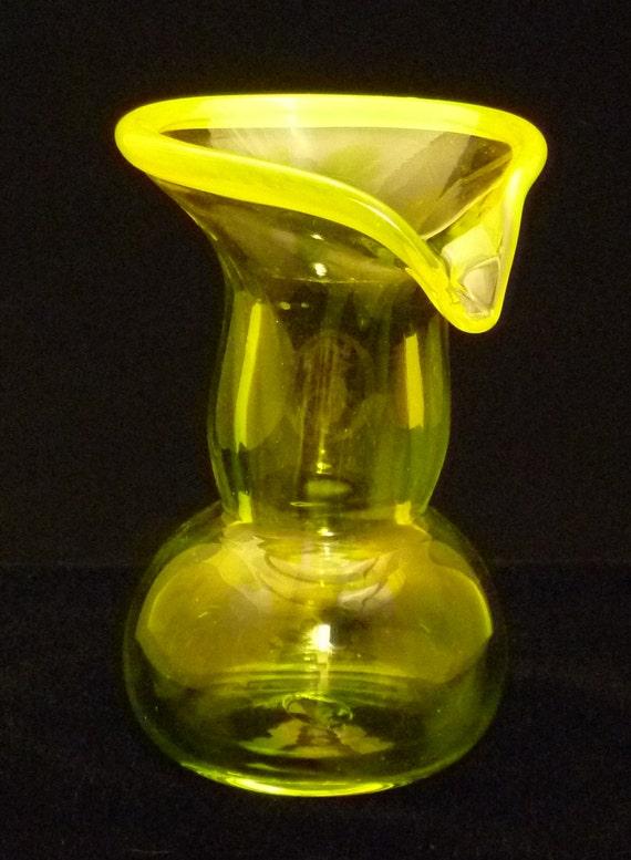 Hand Blown Decorative Vase - Lipped Vase