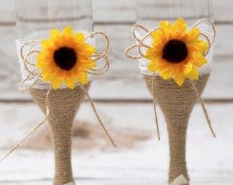Wedding Glasses Rustic Sunflower Toasting Flutes Champagne Glasses Rustic Toasting Glasses Mr Mrs