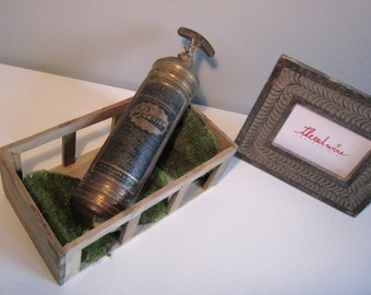 Vintage fire extinguisher - Pyrene - French