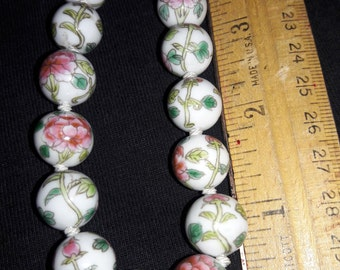 Vintage Chinese Hand Painted Glass Bead Necklace