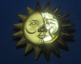 VINTAGE Antique Brooch Sun Brooch some Gold Tone (dorocraft)