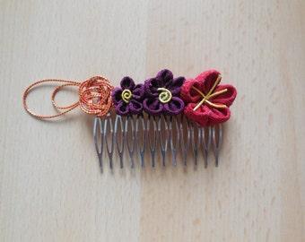 Flowers in tsumami zaiku and mizuhiki Japanese comb