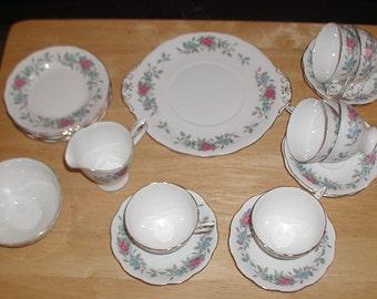 Vintage Royal Standard Fine Bone China 21 Piece Tea Set Roses Design