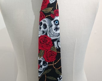 Skulls and Roses fabric tie