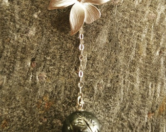 Silver Orchid Tahitian Pearl Necklace
