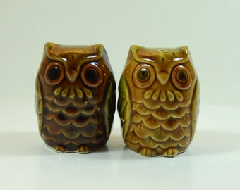 Salt and pepper etsy - Owl salt and pepper grinders ...