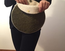 Round Shoulder Bag / Crocheted with Raffia Yarn / Green in Color
