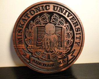 Miskatonic University Plaque | H.P. Lovecraft | Cthulhu | Weird Tales | Arkham | Occult | Halloween Decor | Halloween Decoration