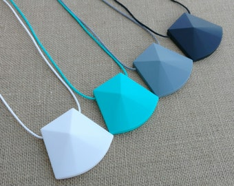 Teething Necklace for Mom, Modern Nursing Necklace, Chewlery, Teether Chewing Beads, Chew Jewelry Beads, Trapezoid Pendant