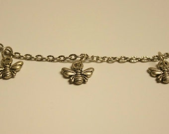 Bee chain necklace