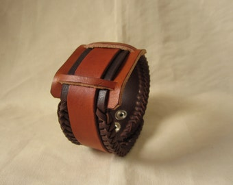 Leather bracelet-Pulsera en cuero leather bracelet