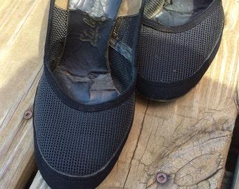 Vintage black heel- unique design