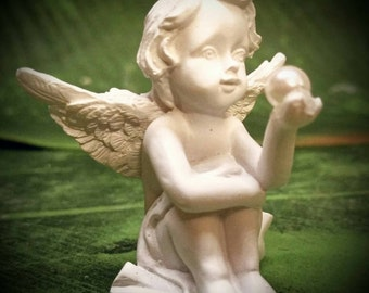 PEARL ANGEL in plaster