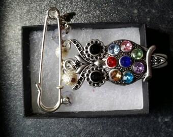 Owl brooch pin/bag charm