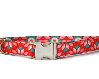 Dog collar in Red with turquoise hearts