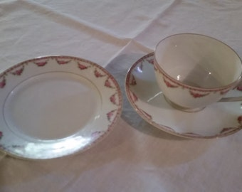 Vintage Teacups with Saucers and Sandwich Plates Set 0f 4