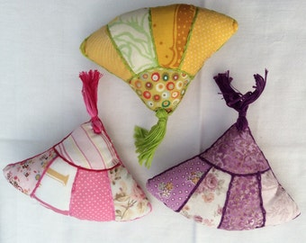 Handmade Patchwork Fan Pincushion - cotton pincushion - patchwork pincushion- pin cushion - sewing accessories