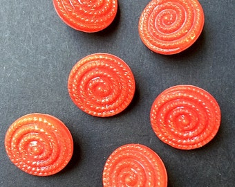 6 Crimson 1.3cm Glass Coiled Rope Vintage Buttons