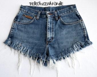Vintage Wrangler Shorts W28 |70's Shorts |Frayed Shorts |Ripped Shorts |Distressed Shorts |Hipster Shorts |Customised Shorts |Cut Offs |
