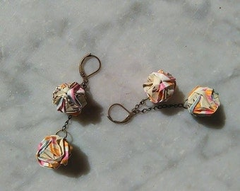origami, 2 balls earrings.