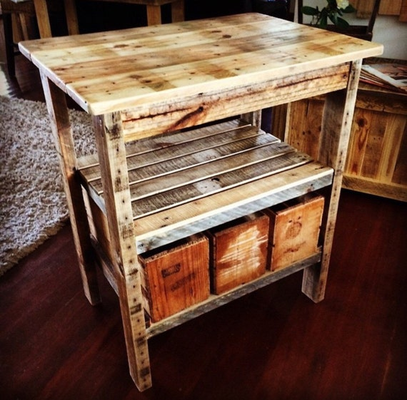 Kitchen Island Out Of Pallets: Rustic Pallet Kitchen Island With 3 X Vintage Style 1/2 Bushel