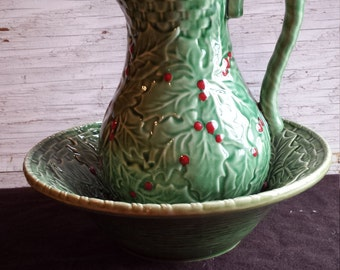 Bardallo Pinhiero Holly and Berries Pitcher and Bowl