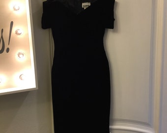 Black Velvet 90s off shoulder Glenrob Dress size 3/4