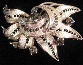 Vintage Smoke Grey Rhinestone Brooch Pin Filigree SnowflakeClaw Set Silver Tone Floral Flower Spray