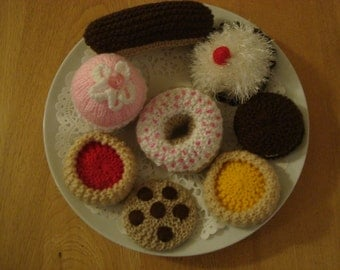 Knitted Play Food Cakes set of 8