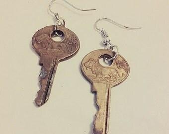 Small key earings