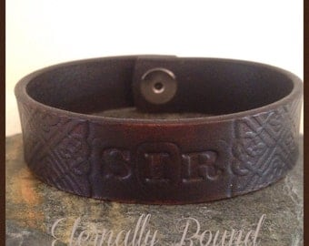 """BDSM """"Sir"""" leather bracelet.Choice of Colour and sizes. leather with Celtic hand stamped design. Dominant/Master/Sir gift"""
