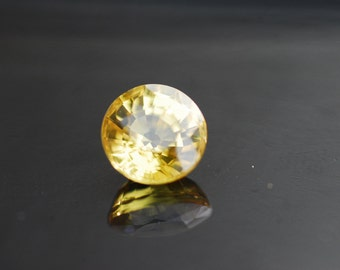 Loose Gemstones, Natural Yellow Sapphire 1.86ct oval cut Gemstone