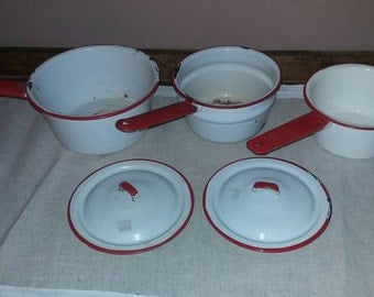 Vintage enamelware pots and pans. .lot of 5 pc.