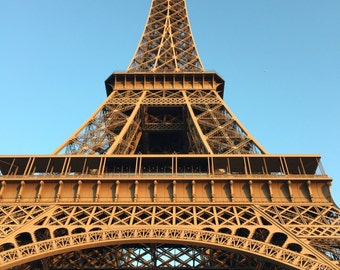 16x20 photo print of the Eiffel Tower on high gloss or luster paper