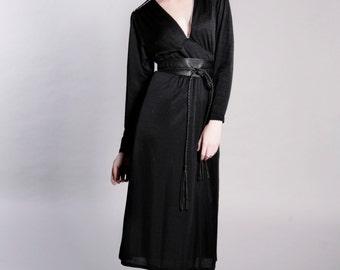 High Waisted 'V' Dress 1970s Size 14