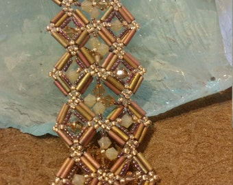 Netted seed bead bracelet