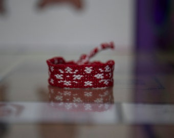 Red and White Snowflake Friendship Bracelet