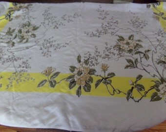 Vintage Floral Tablecloth 40x50