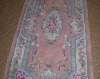 Vintage 1970's Chinese 100% Wool Rug,Carpet in Lovely Condition.