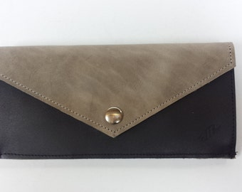 Leather wallet with black/green gray