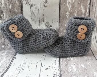 Crochet baby booties, baby uggs, baby shoes, baby schoentjes, baby schuhe