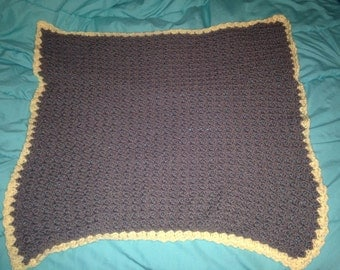Crochet shell baby blanket
