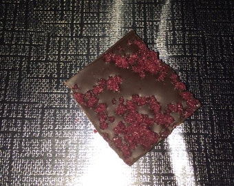 60% Chocolate with Crystalized Hibiscus Flowers