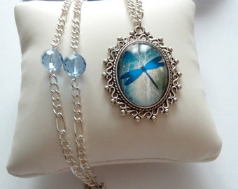 "Cabochon Necklace ""The flight of the dragonfly"""