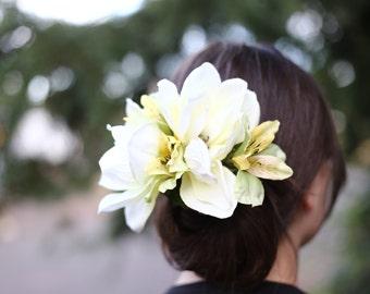 White Magnolia Clip
