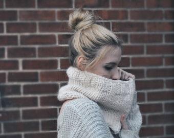 Hand Knit Cream Wool Cowl