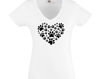 Legs in the shape of heart, woman, white T-Shirt and 23 reasons to choose colors