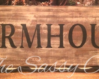 Farmhouse wall sign with rustic elegance